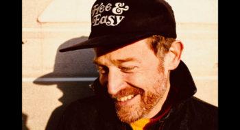 """""""Love Here Listen"""": un sixième album rempli de vibrations bienfaitrices pour Barbarossa"""