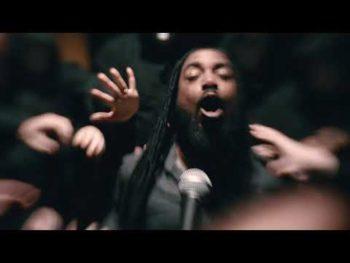 Les lyonnais deIn Arkadia(Metalcore) ont clippé Head Towards Back en live.